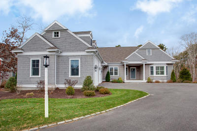 Mashpee Single Family Home For Sale: 29 Flat Pond Circle