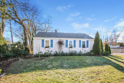 Barnstable Single Family Home For Sale: 324 Oak Neck Road