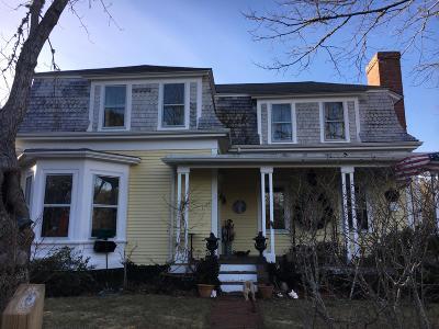 Single Family Home For Sale: 1331 Main Street
