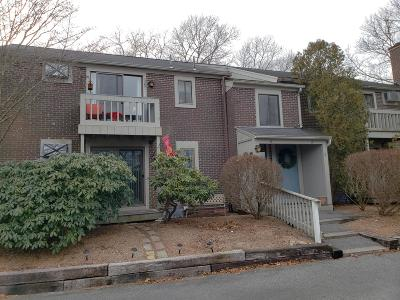 Barnstable Condo/Townhouse For Sale: 825 Main Street #4