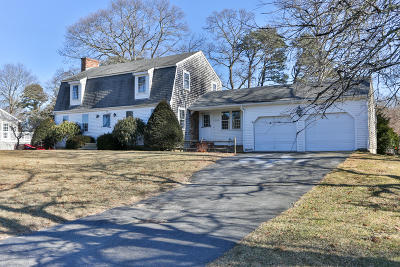 Barnstable Single Family Home For Sale: 152 Marstons Lane