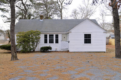 Yarmouth Single Family Home For Sale: 1 Mayflower Lane