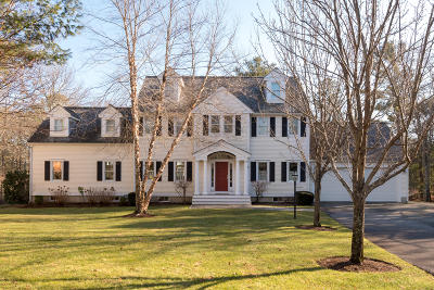 Mashpee Single Family Home For Sale: 3 Hidden Oaks Lane