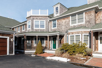 Barnstable Condo/Townhouse For Sale: 545 Scudder Avenue #E