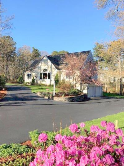 Barnstable Single Family Home For Sale: 45 Cobble Stone Road