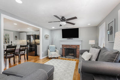 Barnstable Single Family Home For Sale: 52 Willimantic Drive