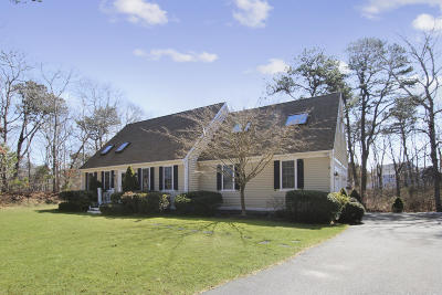 Yarmouth Single Family Home For Sale: 53 Desert Sands Lane