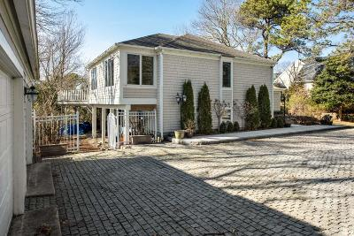 Mashpee Single Family Home For Sale: 107 Greensward Road