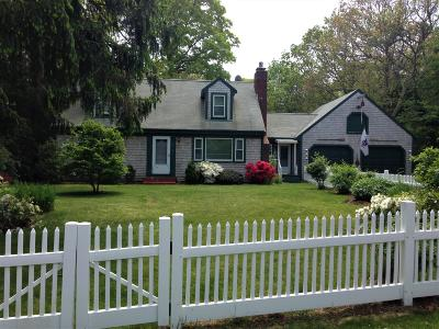 Falmouth Single Family Home For Sale: 21 Pitch Pine Lane