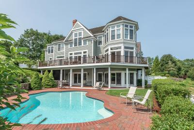 Mashpee Single Family Home For Sale: 25 North Glen Drive