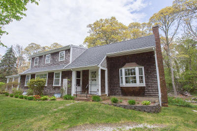 Orleans Single Family Home For Sale: 48 Great Oak Road
