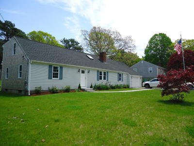Yarmouth Single Family Home For Sale: 8 Dogwood Drive