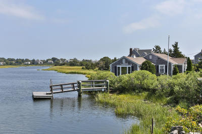 Barnstable Single Family Home For Sale: 1136 Craigville Beach Road