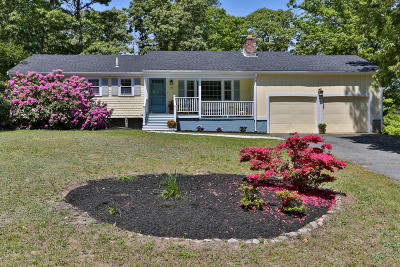 Barnstable Single Family Home For Sale: 93 Gemini Dr