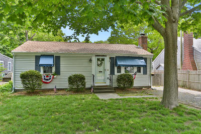 Yarmouth Single Family Home For Sale: 120 Seaview Avenue