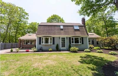 Single Family Home For Sale: 3 Deer Hollow Road