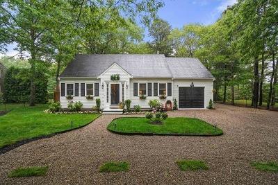 Mashpee Single Family Home For Sale: 71 Bog River Bend