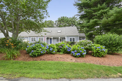 Barnstable Single Family Home For Sale: 95 Wianno Circle