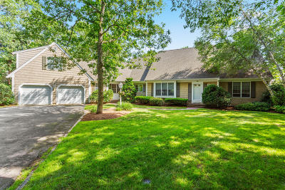 Dennis Single Family Home For Sale: 22 Surrey Lane