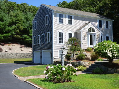 Barnstable Single Family Home For Sale: 4 Minton Lane