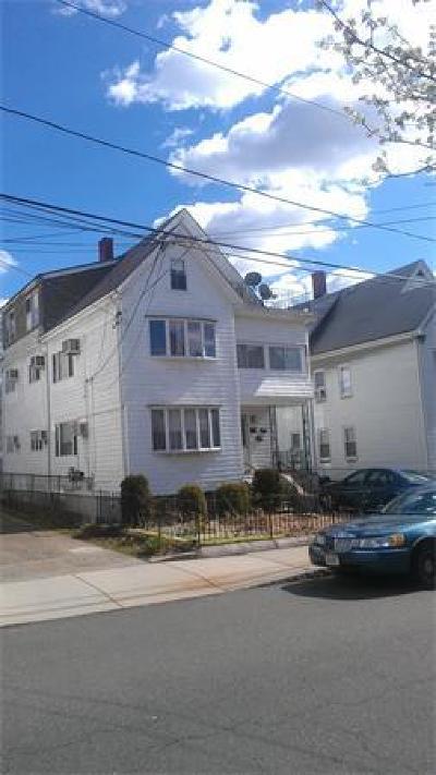 Everett Multi Family Home Under Agreement: 47-49 Dean St