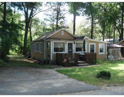Single Family Home For Sale: 4 Yale Road