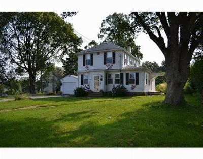 RI-Newport County Single Family Home Under Agreement: 28 Terrace Ave