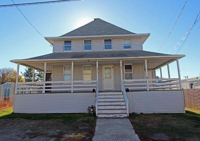 Hull Single Family Home Under Agreement: 22 T St