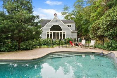 Duxbury Single Family Home For Sale: 232 Standish Street