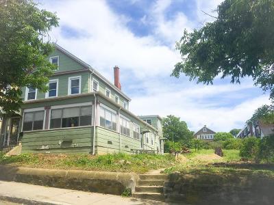 Somerville Multi Family Home Under Agreement: 31 Porter St