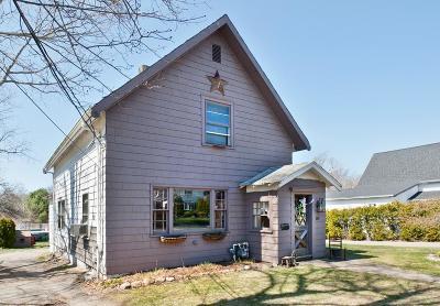 Whitman Single Family Home Under Agreement: 89 Franklin St