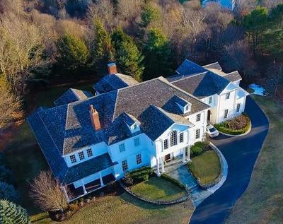 Hingham Single Family Home For Sale: 7 Brandon Woods Circle