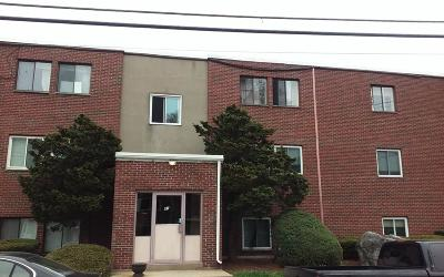 Brockton Condo/Townhouse Under Agreement: 81 Colonel Bell Dr #7