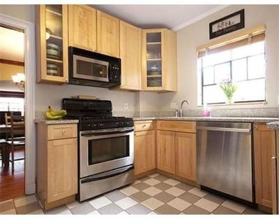 Brookline Condo/Townhouse For Sale: 61-63 Gardner Rd #63