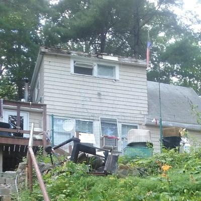 Saugus MA Single Family Home For Sale: $174,800