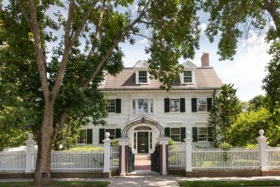 Brookline Single Family Home For Sale: 91 Middlesex Rd
