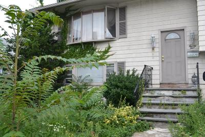 Medford Single Family Home For Sale: 25 Fountain St.