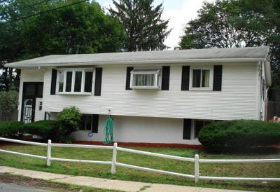Single Family Home For Sale: 34 Joan Rd