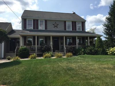 Attleboro Single Family Home For Sale: 11 Josiah Way