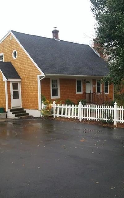 Bellingham Single Family Home For Sale: 151 Wrentham Rd.
