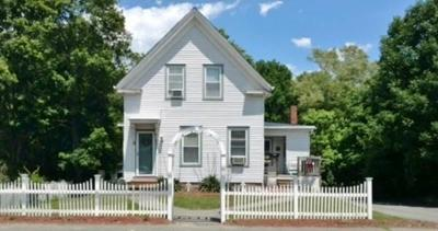 Holbrook Single Family Home Price Changed: 208 Plymouth St