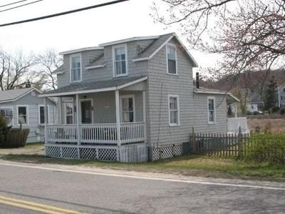 Marshfield Single Family Home For Sale: 1187 Ferry St