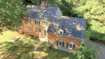 Norwell Single Family Home For Sale: 86 Meadow Brook Road