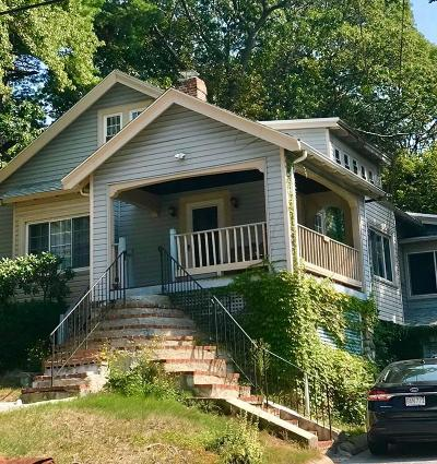 Melrose Single Family Home For Sale: 190 Warwick