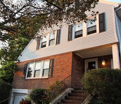 Medford Single Family Home For Sale: 16 Ridgeway Rd