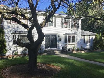 Framingham Single Family Home For Sale: 7 Hickory Hill Ln