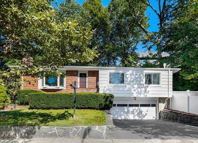 Brookline Single Family Home For Sale: 56 Oakland Rd