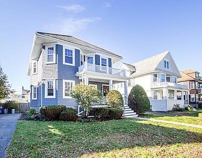 Condo/Townhouse Under Agreement: 124 Manthorne Rd #1