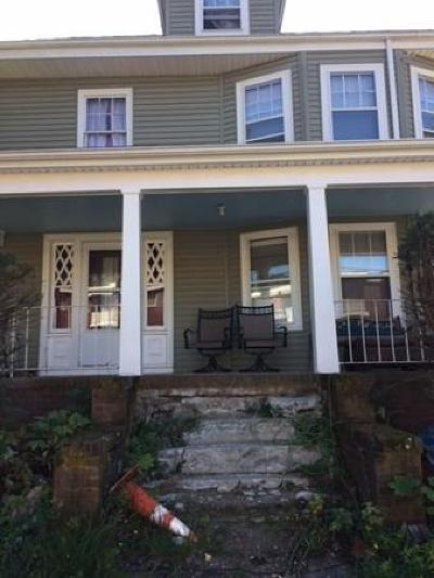 Weymouth Single Family Home For Sale: 19 Maple St