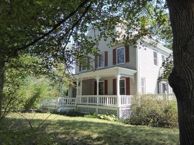 Foxboro Single Family Home For Sale: 122 East St